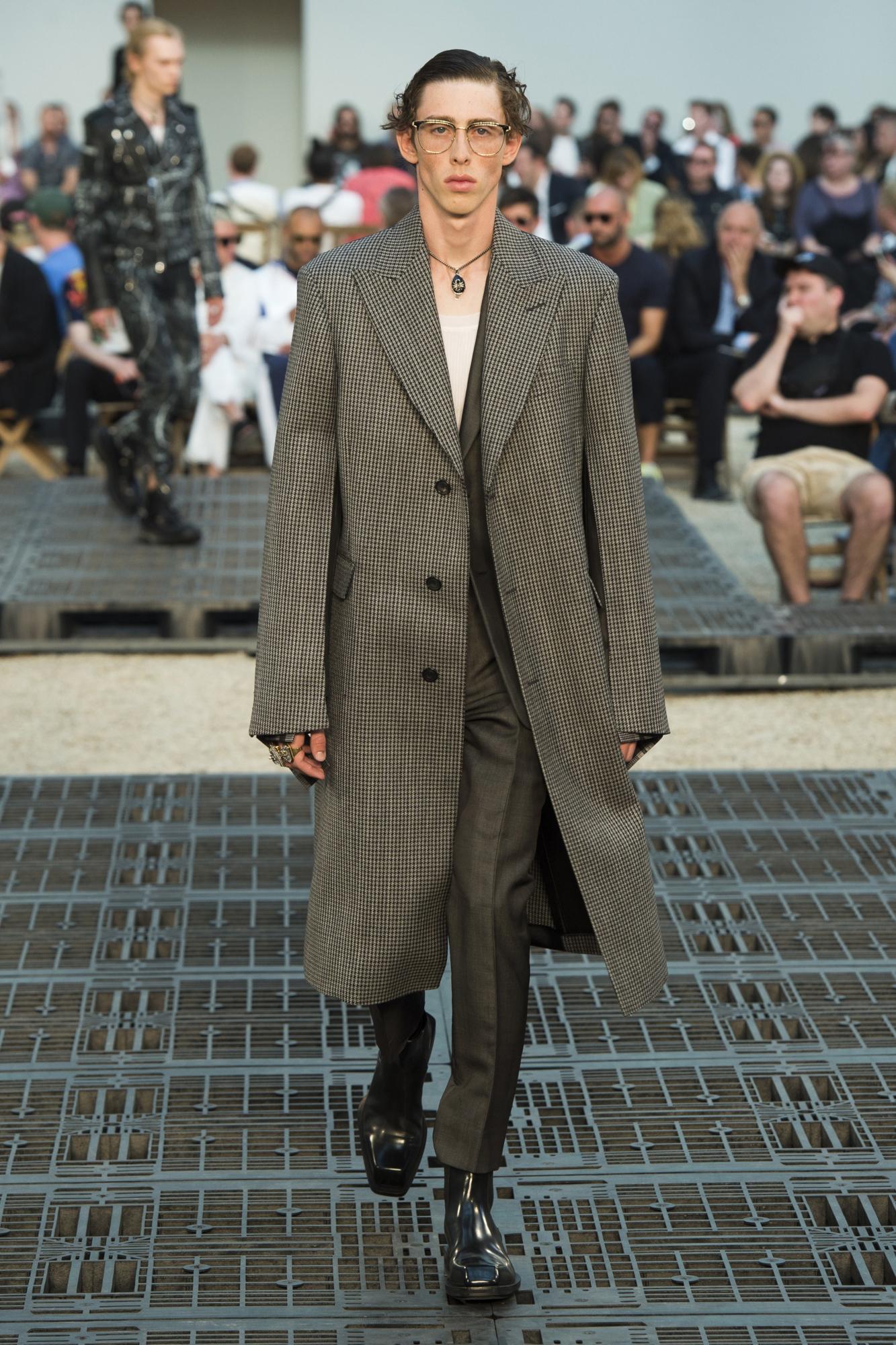 Semana de Moda de Paris  Verão 2019 Masculino   Blog Ótica da Penha 97f90a2b20