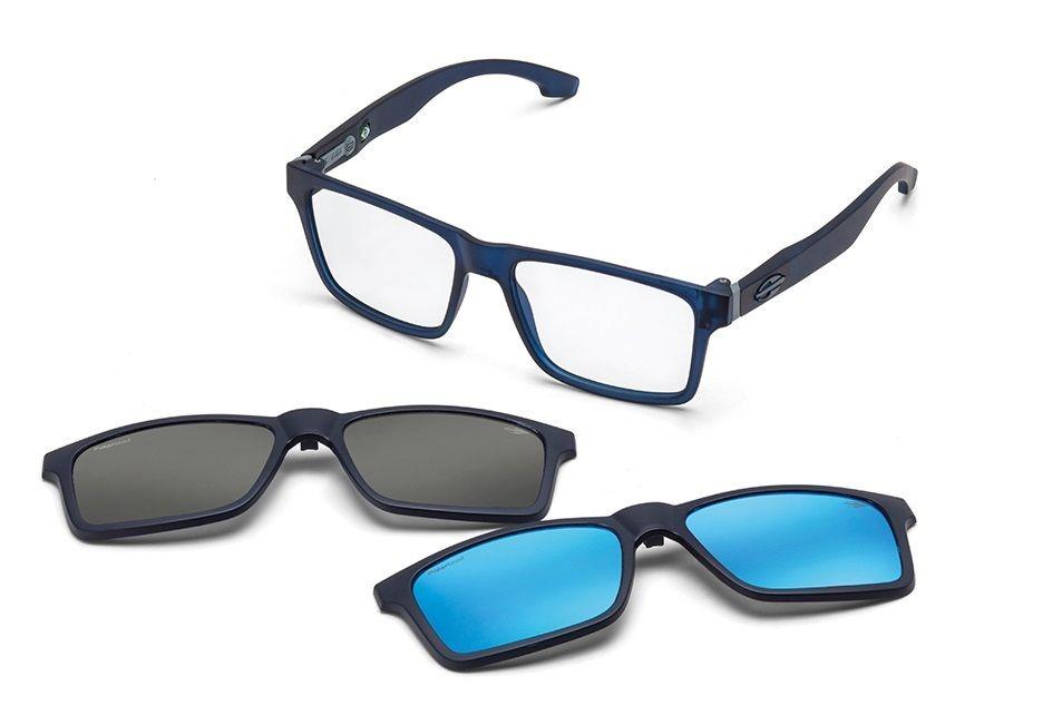 A linha de óculos da marca é bem variada, oferecendo tanto óculos solares  bem como óculos de grau. Dê uma passada na loja hoje mesmo e experimente um  modelo ... 149d80364f